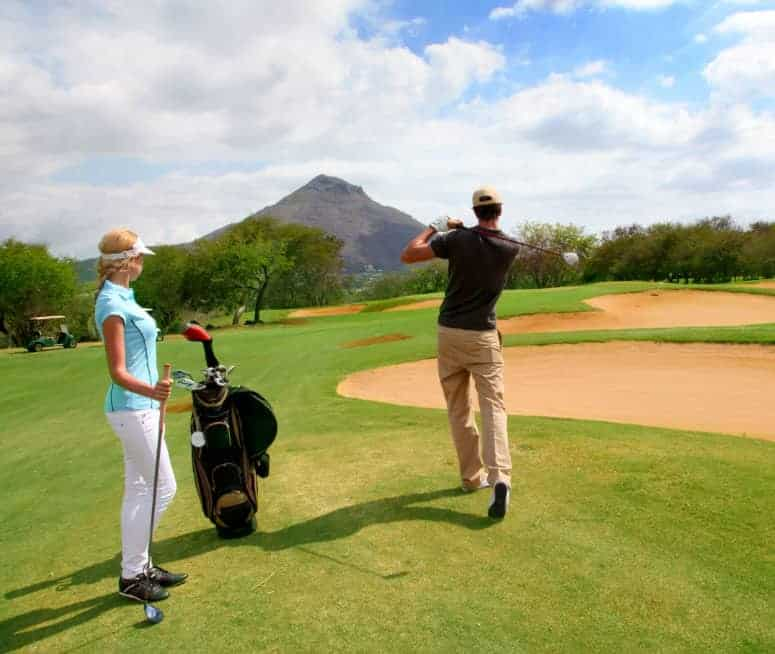 Immigrate or Emigrate to Mauritius   Expats playing golf