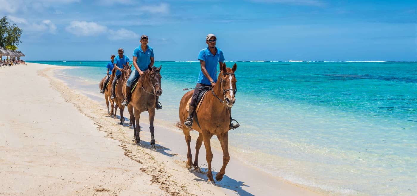 Immigration Mauritius - Horse riding on the beach